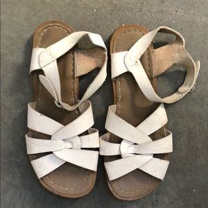 SALTWATER White Leather Sandals